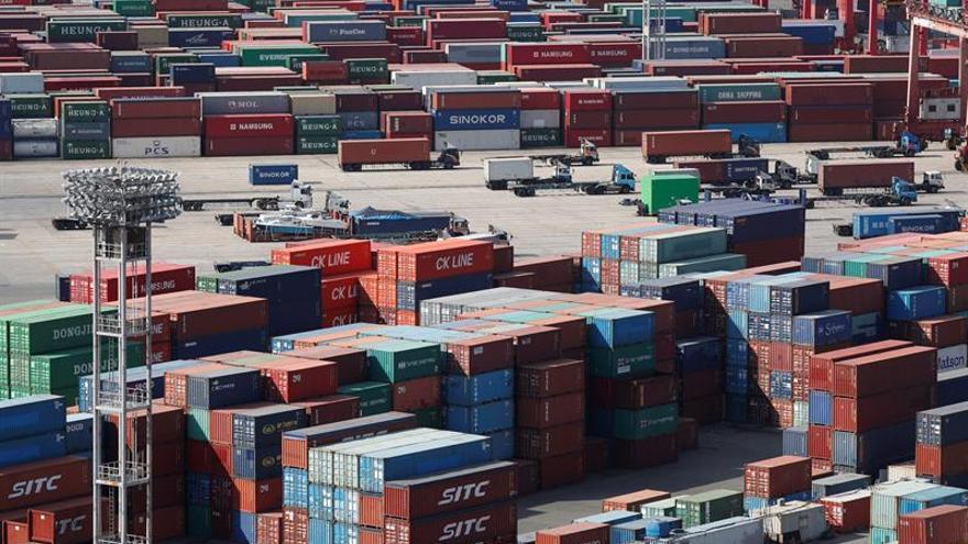 Vista de la terminal de contenedores en el puerto de Busan (Corea del Sur).