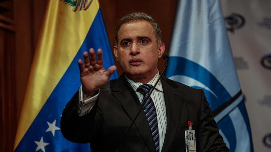 El fiscal venezolano acusa a su predecesora de convertir a la Fiscalía en una empresa