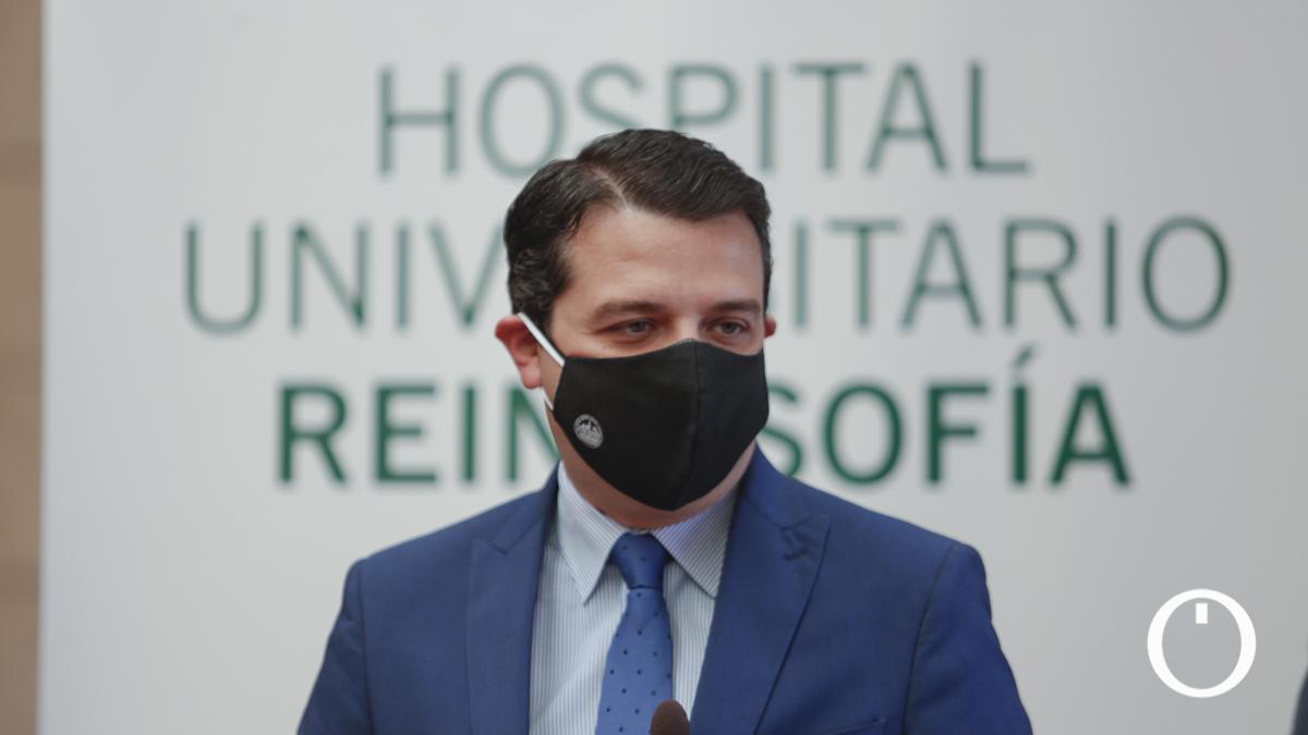 Bellido en la Inauguración de la exposición en el Hospital Reina Sofía por su 45º aniversario
