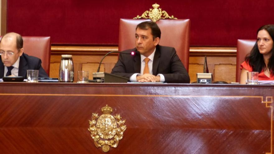 El alcalde de Santa Cruz de Tenerife en el primer Pleno de este mandato