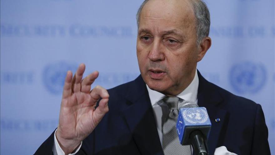 Francia dice que quedan obstáculos pero confía en un pacto nuclear con Irán