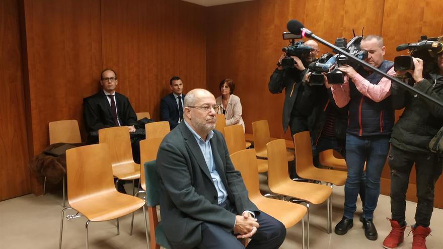El vicepresidente de la Junta de Castilla y León, Francisco Igea, momentos antes de que comenzase el juicio.