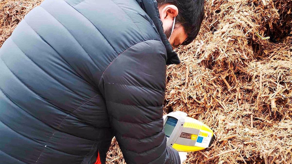 Trabajos en un nuevo sistema para maximizar el aprovechamiento de la biomasa agrícola.