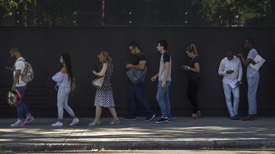 horas de espera en la cola para pedir asilo en madrid