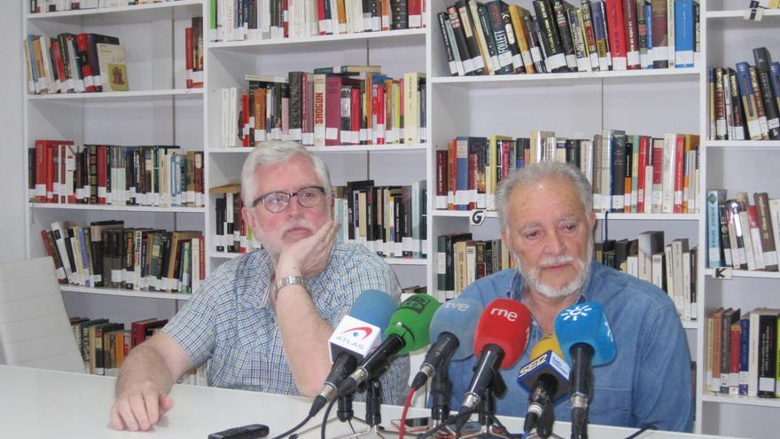 Julio Anguita y el número uno de Unidos Podemos por Córdoba, Manuel Monereo.