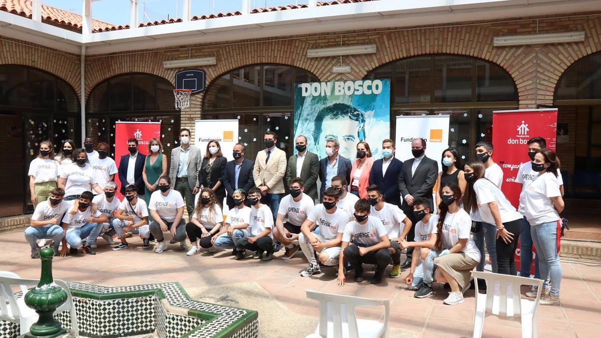 Asistentes a la inauguración del segundo 'GarageLab' en Andalucía, en este caso en Córdoba.