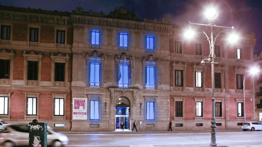 El Parlamento de Navarra iluminará esta noche su fachada de color azul con motivo al Día Mundial de del Autismo