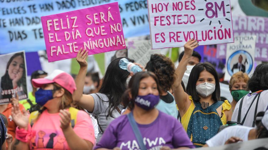 8M: Miles de mujeres marcharon en todo el país contra los femicidios