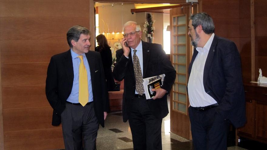 "Borrell alerta del ""riesgo"" de que España ""se rompa a trozos"""