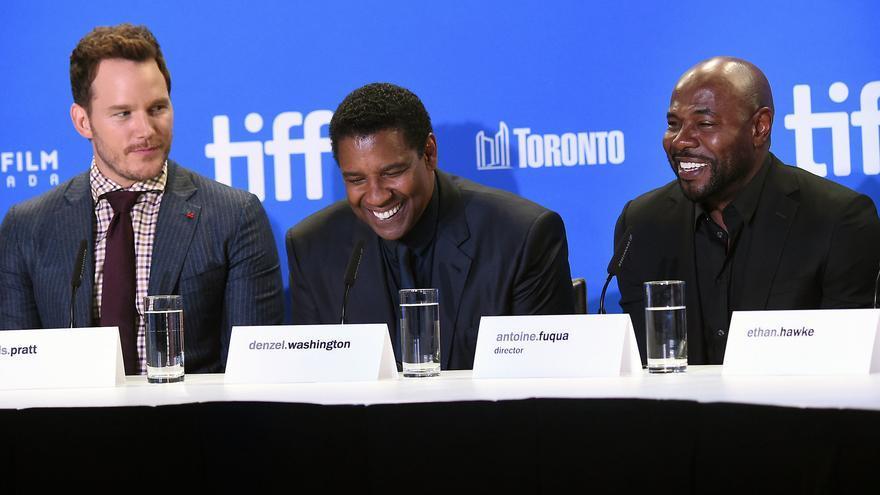 Chris Pratt, Denzel Washington y Antoine Fuqua, durante la rueda de prensa de 'Los siete magníficos' en Toronto