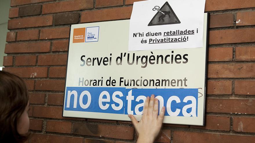 Mobilización ciudadana para evitar el cierre parcial de las Urgencias en el Hospital de la Esperança de Barcelona / Foto: Edu Bayer