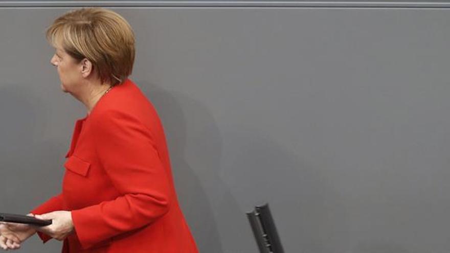Merkel reivindica su legado de cara a las elecciones, pero pide no confiarse