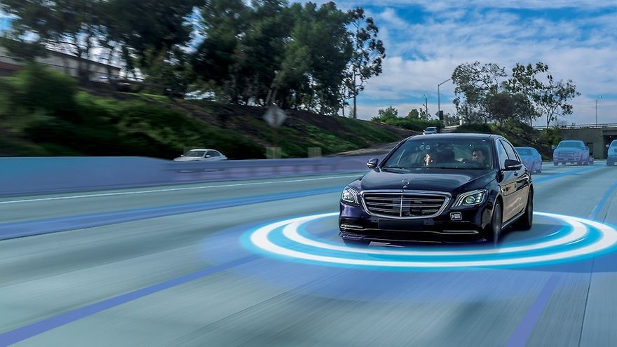 Mercedes evoluciona sus asistentes de seguridad activa dentro del paquete Drive Pilot.