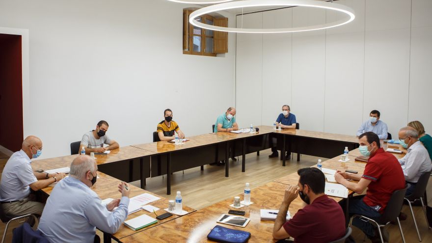 Reunión mantenida en el Palacio de Navarra con alcaldes de la zona de Itoiz
