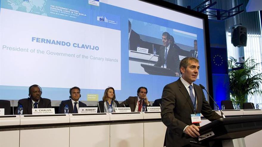El presidente del Gobierno de Canarias, Fernando Clavijo, durante su intervención en en el cuarto Foro de las Regiones Ultraperiféricas de la Unión Europea que se celebra en Bruselas. EFE/Horst Wagner