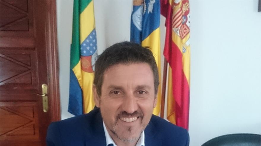 Martín Taño es alcalde de Garafía.