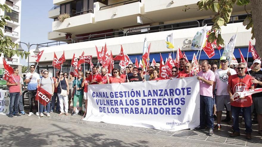 Protesta de trabajadores de Canal Gestión Lanzarote