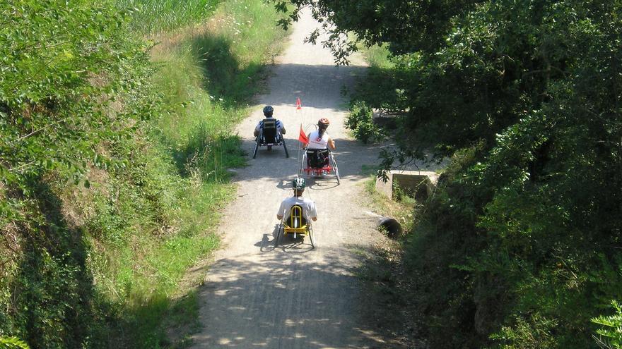 Uno de los carriles adaptados para las personas con discapacidad. Predif