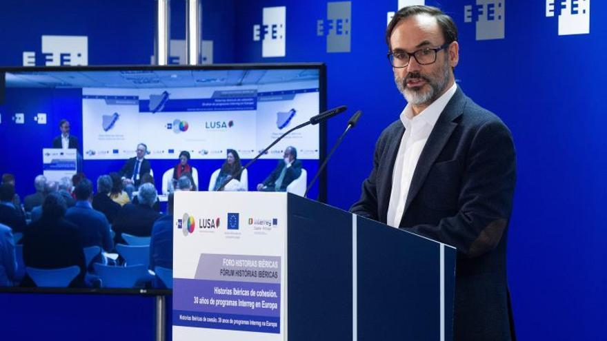 La comisaria de Cohesión destaca los 30 años de cooperación transfronteriza