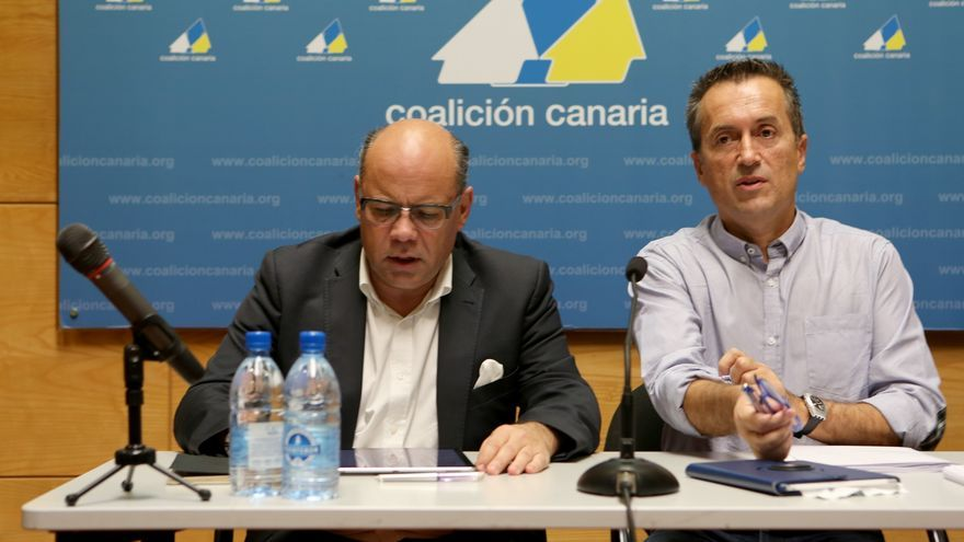 Los dirigentes de Coalición Canaria José Miguel Barragán y José Miguel Ruano.(Alejandro Ramos)