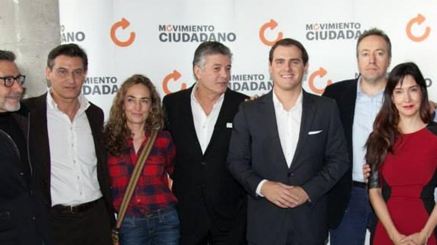 Francisco, en la presentación de C's en Valencia, entre Punset y Rivera.