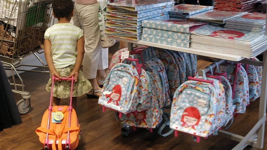 Las familias de uno de cada tres niños no podrá comprar los libros de texto