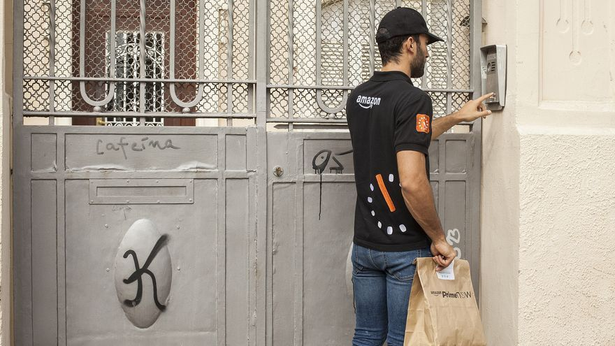 Repartidor de Amazon Prime Now en Barcelona