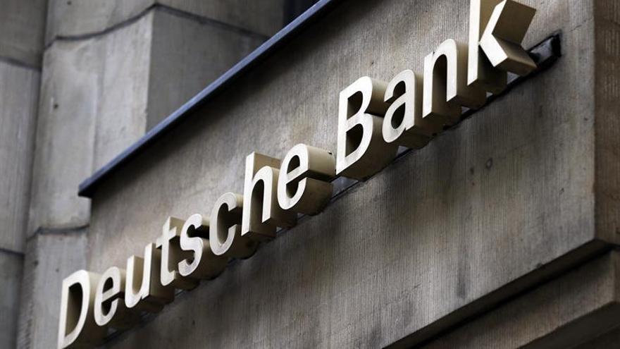 Deutsche Bank gana 1.018 millones de euros hasta junio, cuatro veces más