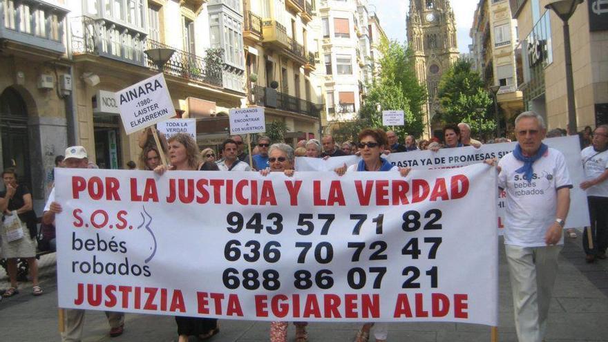 Los afectados en una de la manifestaciones celebradas en Donostia.