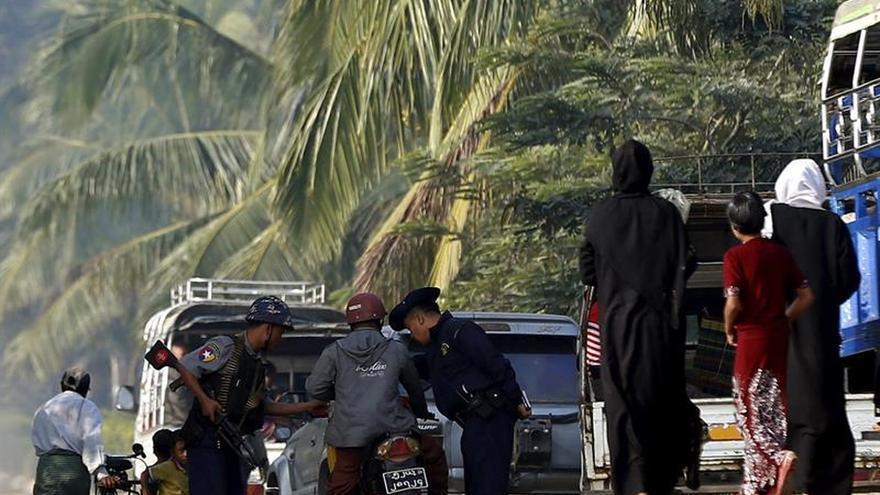 El Ejército birmano niega los abusos contra la minoría rohinyá