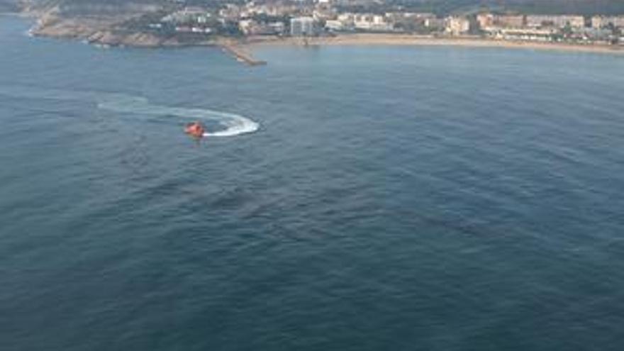 Vertido de gasoil en aguas de Tarragona, 9 de enero 2011