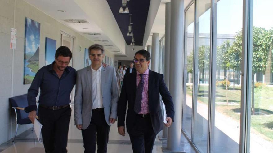 El consejero de Sanidad y Políticas Sociales, José María Vergeles, visita las instalaciones / Junta