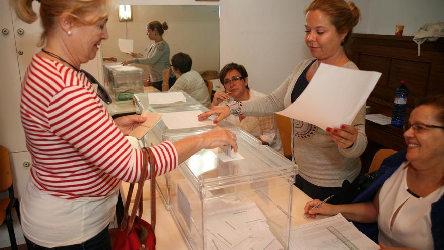 Jornada electoral en Telde. Foto: Alejandro Ramos