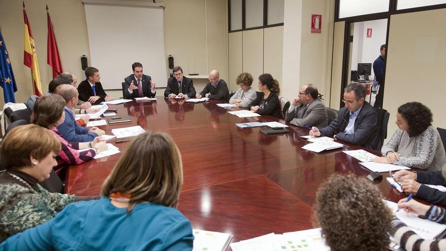 Gobierno, entidades locales y ONG se coordinarán para el reparto de alimentos a personas necesitadas en Navarra