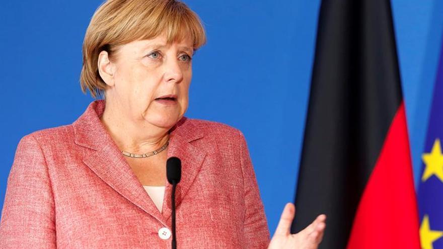 Merkel propone un registro de personas que entren en la UE, como hace EEUU