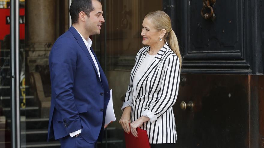Cifuentes y Aguado se reúnen este jueves para hacer seguimiento del acuerdo de investidura en la Comunidad de Madrid