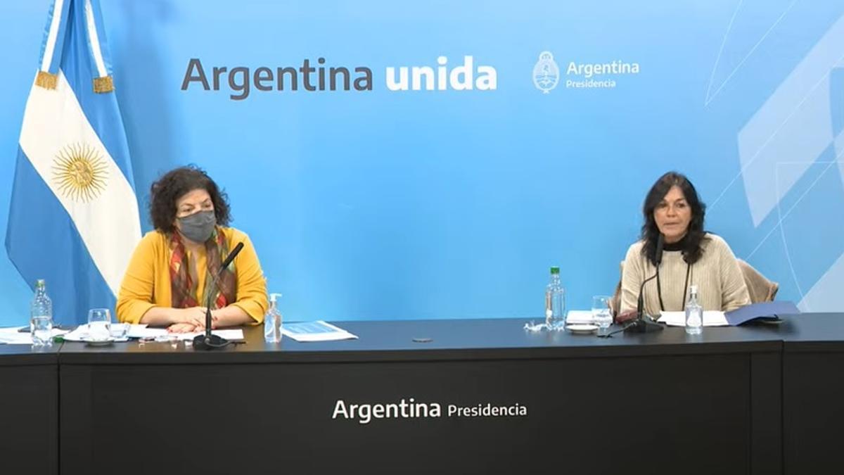 La ministra Carla Vizzotti y la secretaria de Legal y Técnica Vilma Ibarra dieron detalles del DNU que permite negociar con Pfizer y otros laboratorios.