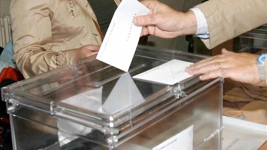 Cierran los centros de votación en la zona horaria central de EE.UU