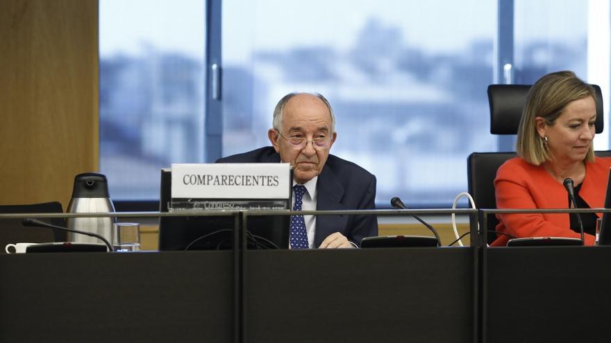 Fernández Ordóñez admite que ganaba mucho en el Banco de España, pero que fue el único gobernador que se bajó el sueldo