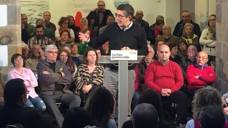 El ex lehendakari Patxi López en su encuentro con la militancia cántabra