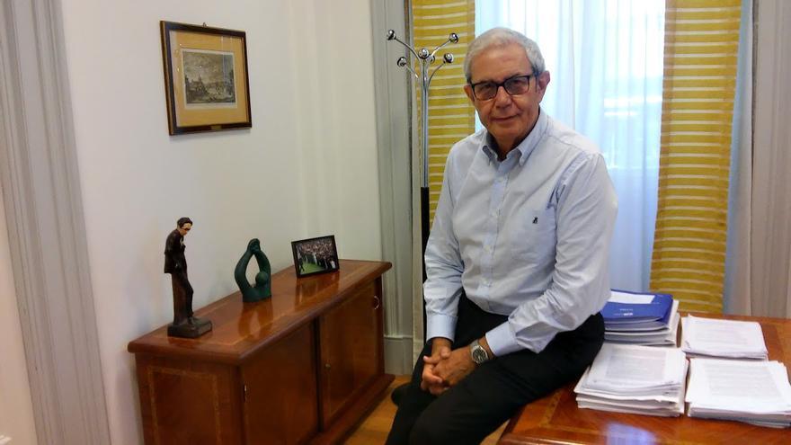 Emilio Pérez Touriño, durante la entrevista / Praza.gal