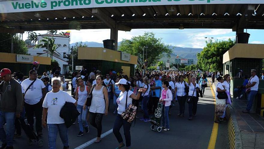 Los venezolanos experimentan en Colombia los añorados supermercados llenos