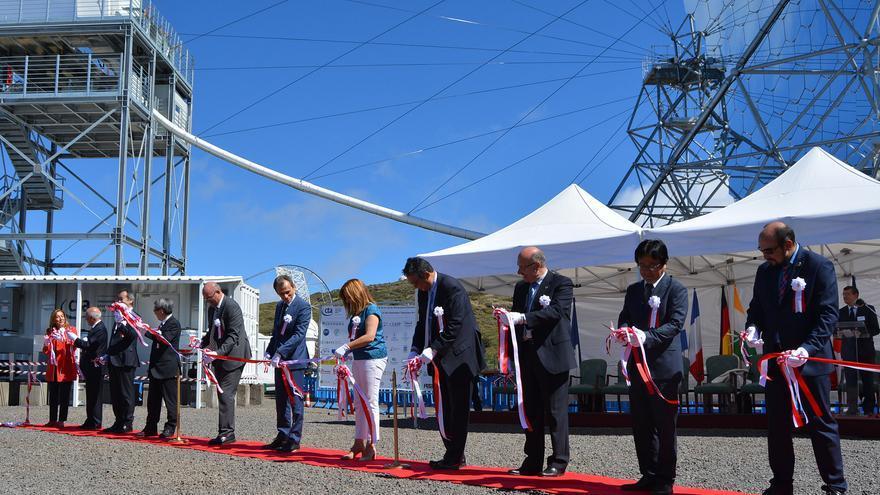 Un momento de la ceremonia inaugural siguiendo el ritual japonés