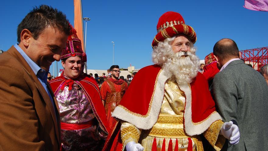 Melchor saluda a Luis Ibarra, presidente de la Autoridad Portuaria de Las Palmas