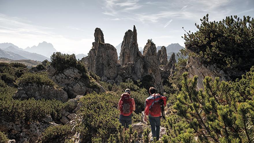 Caminando en dirección al monte Pelmo.