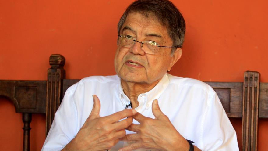 La RAE pide retirar la orden de detención contra el escritor Sergio Ramírez