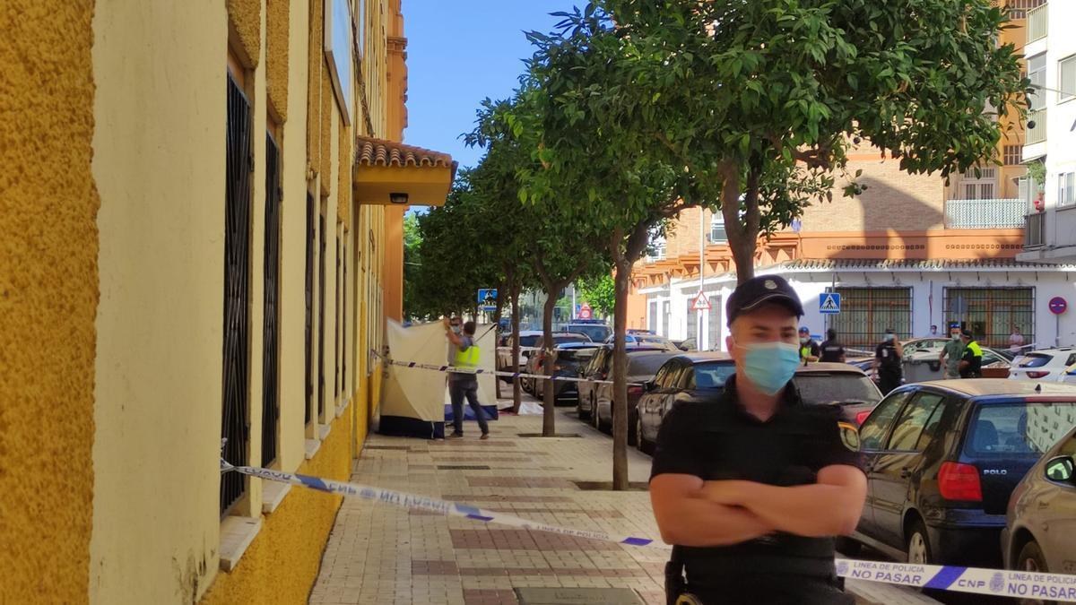 La Calle Fernán Núñez ha sido el escenario de un asesinato en la mañana de este jueves