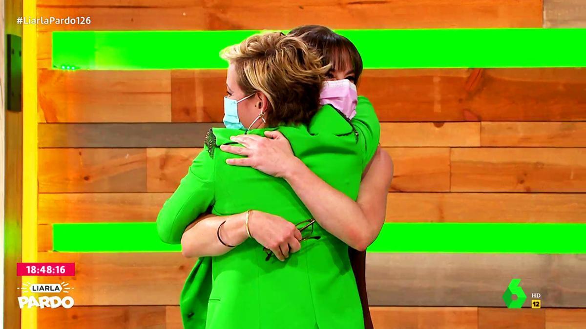 El abrazo de Cristina Pardo a Mamen Mendizábal