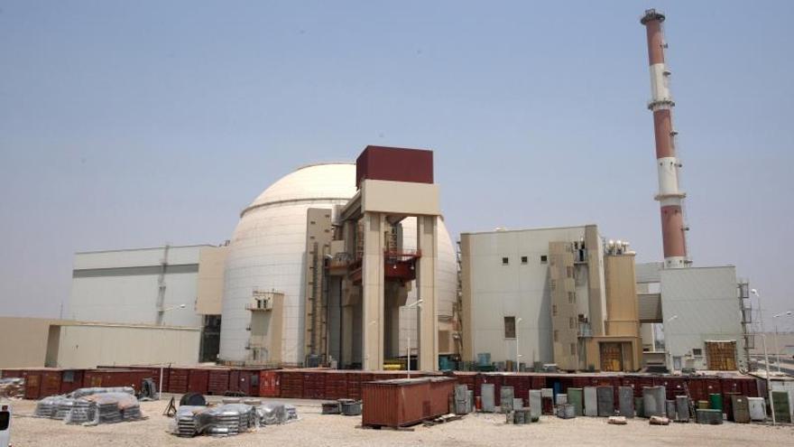 """EE.UU. acusa a Irán de """"extorsión nuclear"""" y dice que mantendrá una presión máxima"""