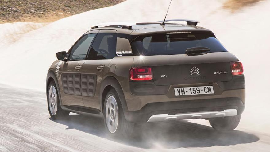 Sin tracción total, esta versión campera del Citroën C4 Cactus equipa un sistema de tracción (Grip Control) con modos de conducción específicos.